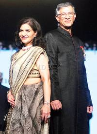 Aamir Khan and Sonakshi Sinha walk the ramp for a cause